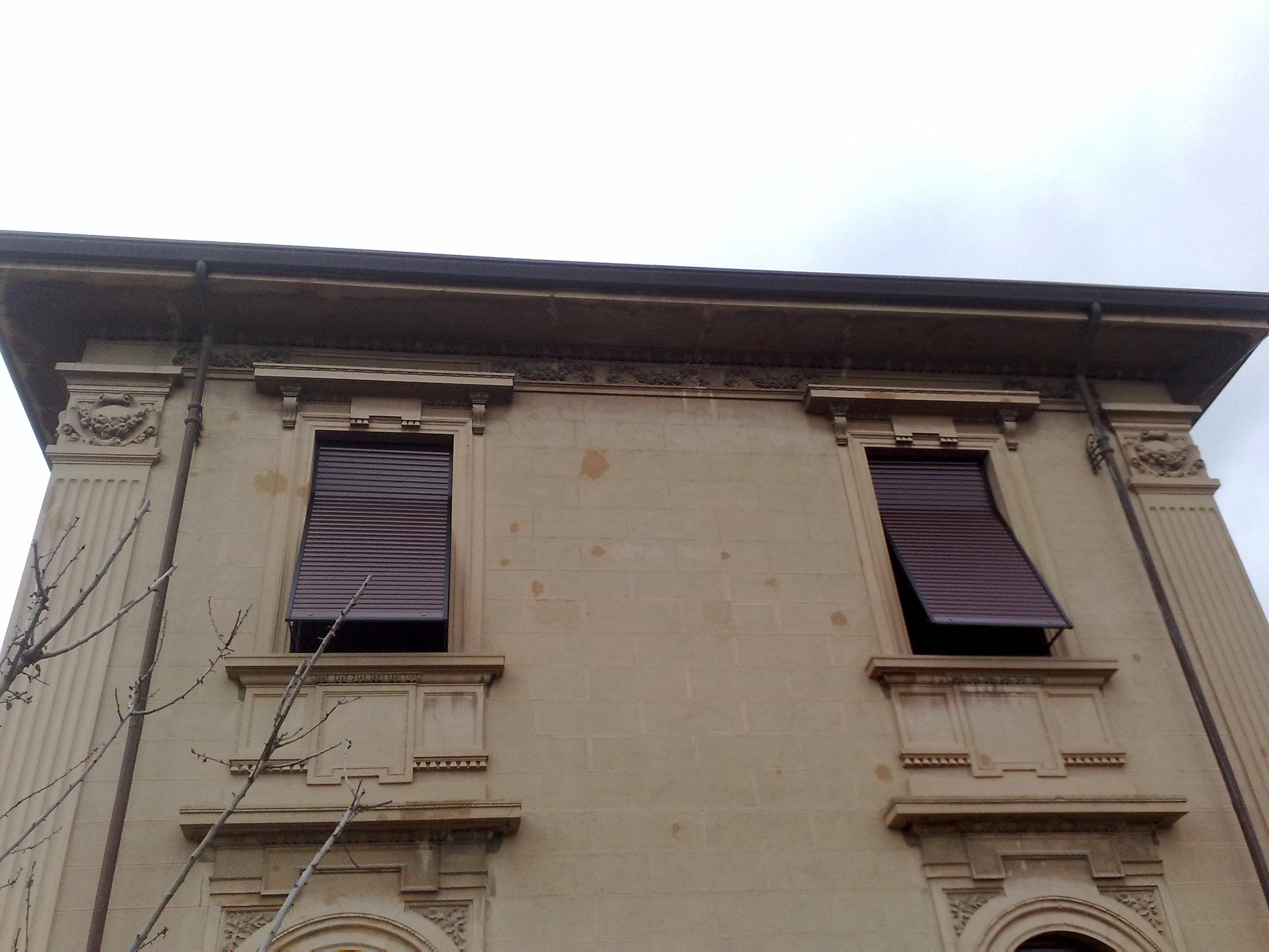 Ristrutturazione facciata e copertuta in legno edilizia dell 39 amico - Ristrutturazione finestre in legno ...