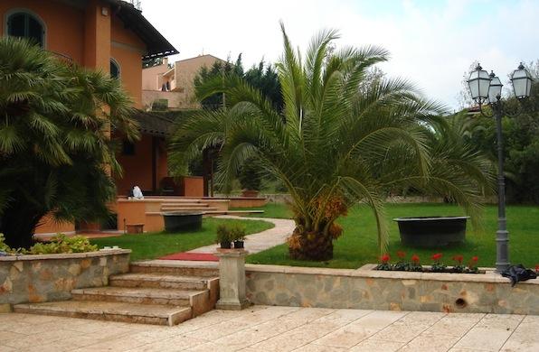 Villa a monteverde edilizia dell 39 amico - Muretti in pietra giardino ...