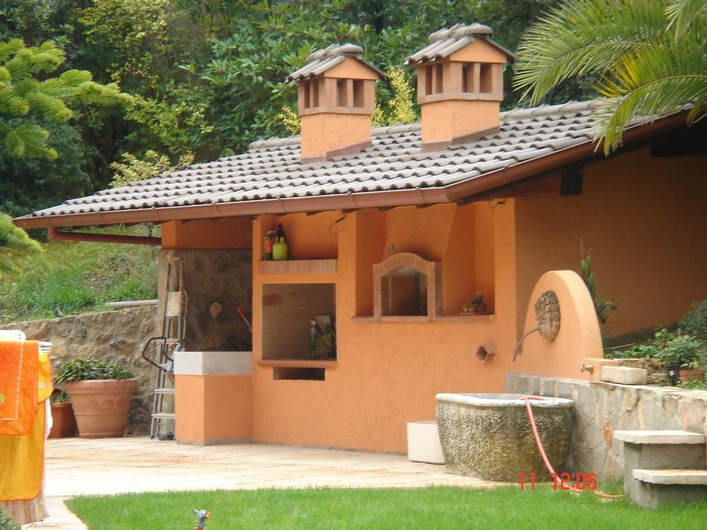 Villa a monteverde edilizia dell 39 amico - Barbecue e forno da giardino ...