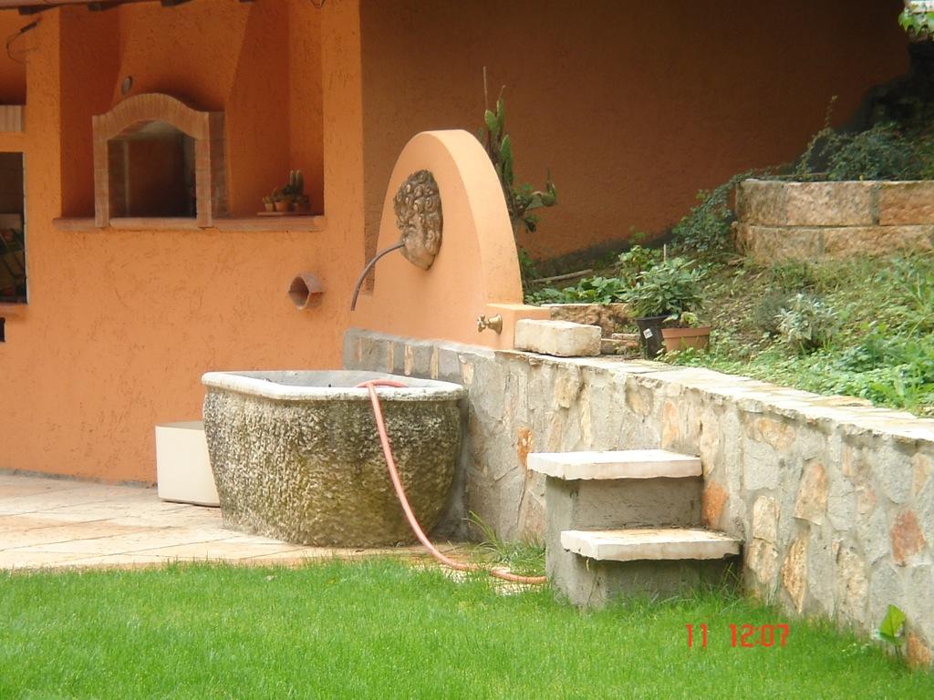 Ornamenti per giardino con vasche in pietra da giardino - Vasche in pietra da giardino ...